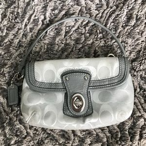 🍁Gray Coach Wristlet with two pockets🍁